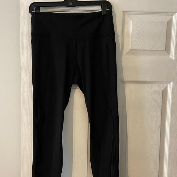 I have Athleta  pre-owned leggings medium size